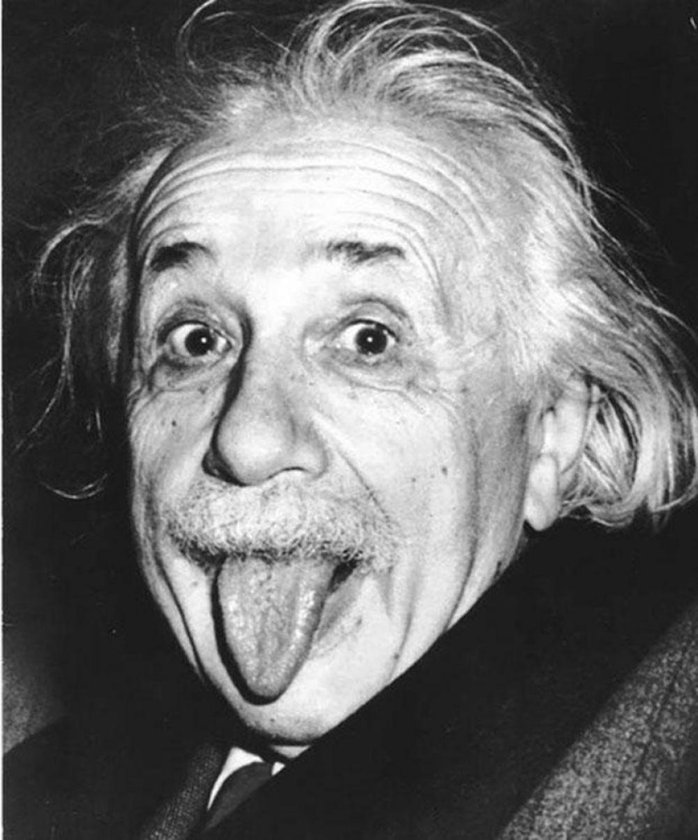 учёный фото с языком